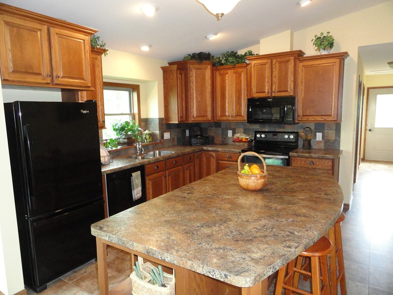 Crown molding and under cabinet moldings the most beautiful kitchen